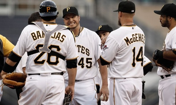 Pirates lose Bedard, but earn second win over the Nats